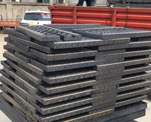港润钢格板厂装车发货